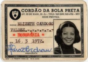 Elizeth Cardoso: a cantora vista de perto – e sem glamour – através de seu acervo